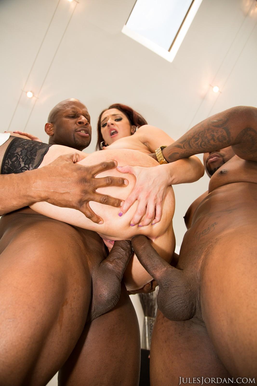 порно попка на три члена негров изврат