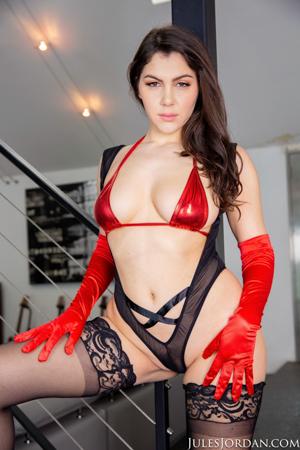 Anal Sex With Italian Beauty Valentina Nappi In POV