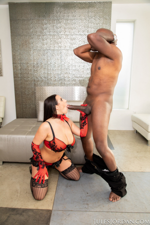 Angela White Sets A BOOBY Trap For Mandingo That Ends In Her ASS!
